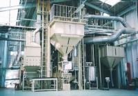 調製施設(中央が製品タンク)